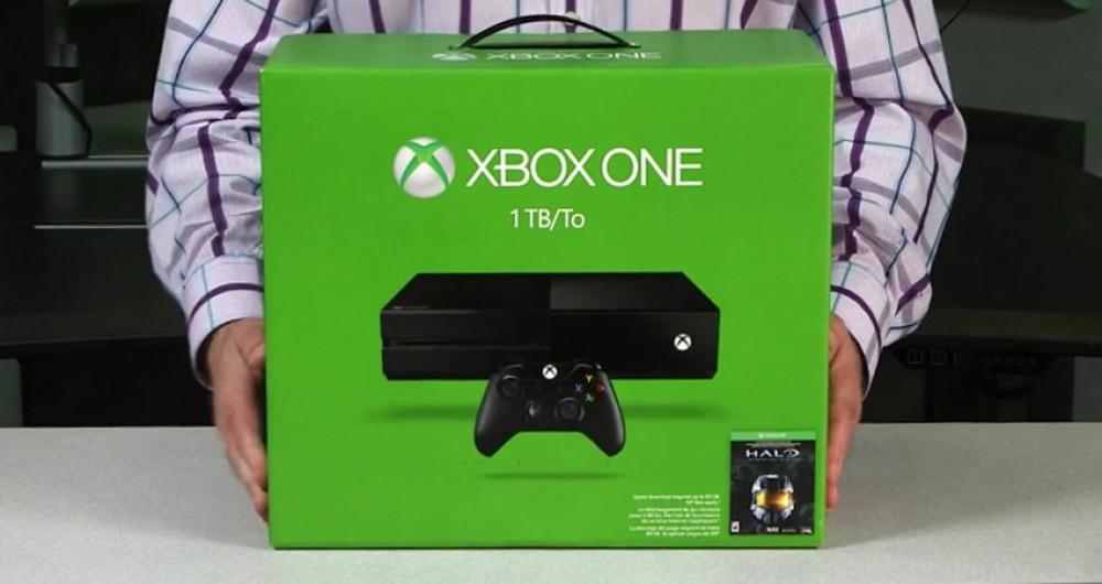 La nouvelle Xbox 1 To et sa nouvelle manette sont officiels!