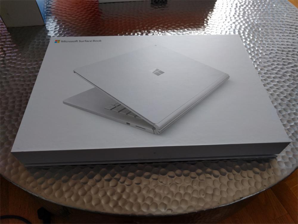 [Spécial] J'ai décidé de m'acheter un Surface Book! – Partie 2/3: déballage et lancement