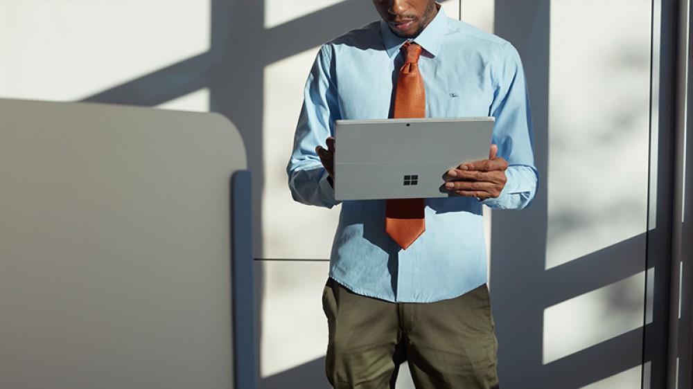 Pas de grand-public pour la nouvelle Surface Pro avec LTE Advanced (4G) avant 2018