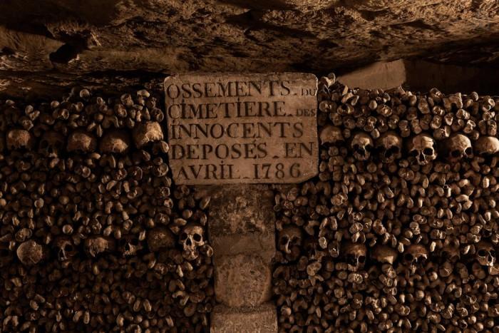 Les catacombes accueillent des ossements déposés à la fin du XVIIIème siècle