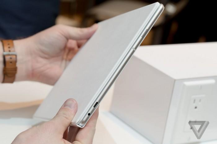 Avec 6.3mm, la TabPro S fait mieux que la Surface Pro 4 - source: The Verge
