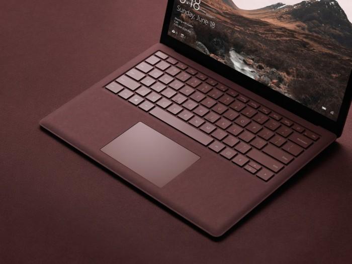 Le clavier du laptop Surface est façonné en tissu Alcantra de Chine